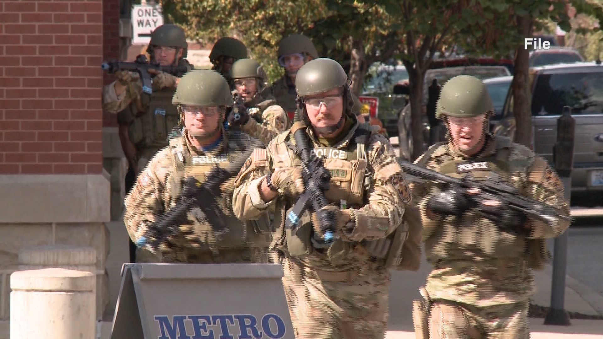 whas11.com | LMPD SWAT officers sue for overtime pay