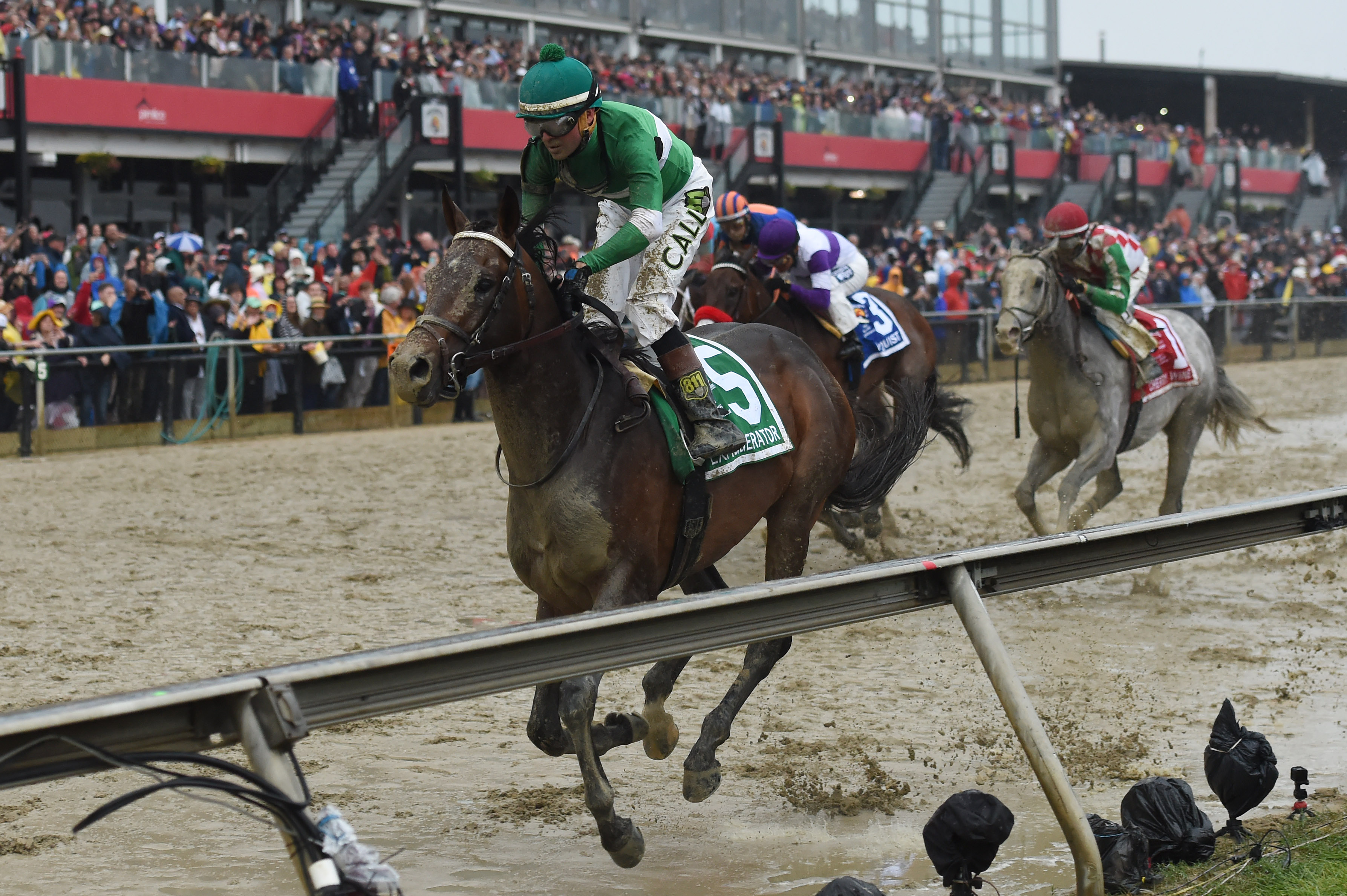 Exaggerator beats Nyquist in 2016 Preakness