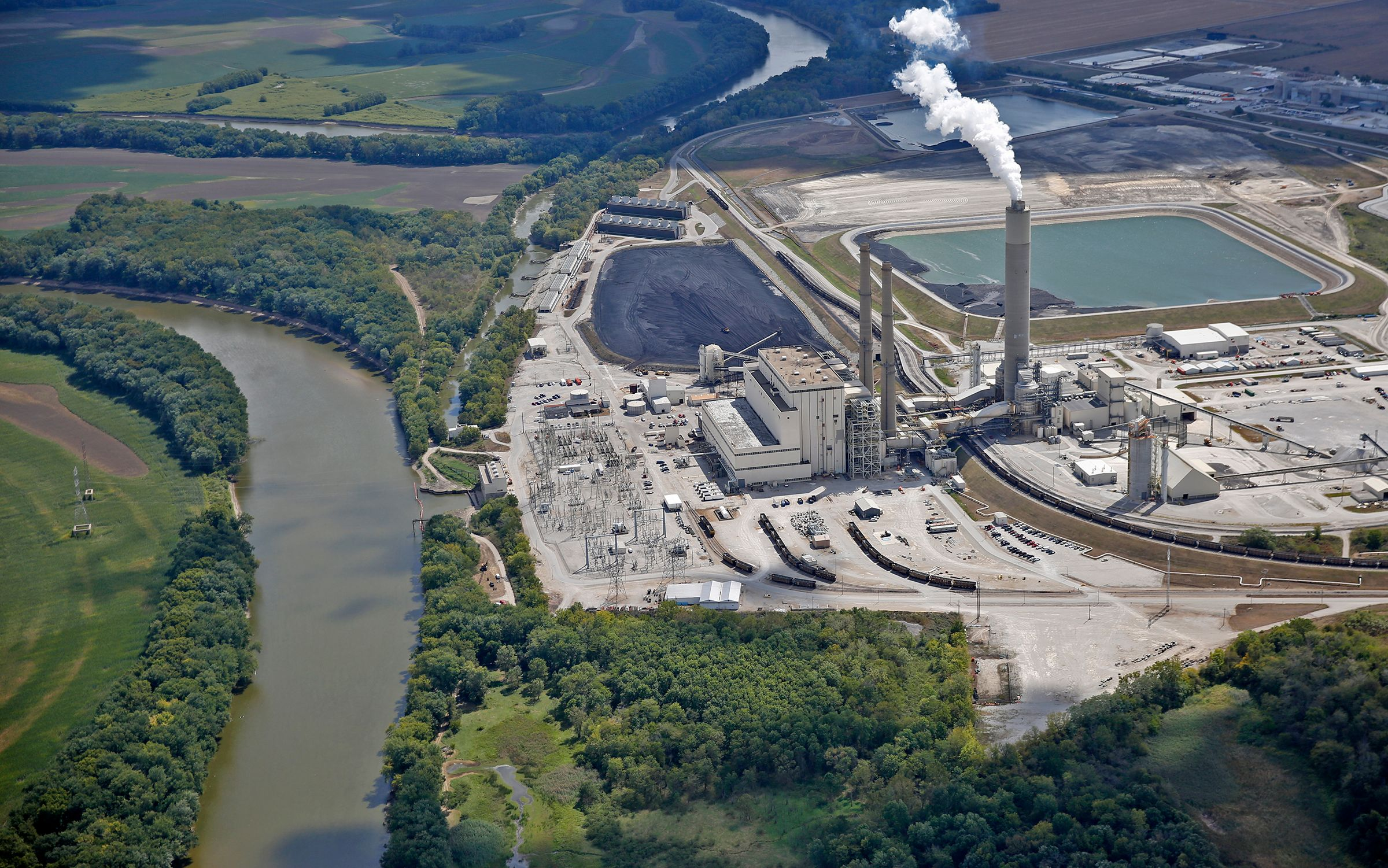 These Toxic Coal Pits Are Leaking Into Indiana S Water Whas11 Com